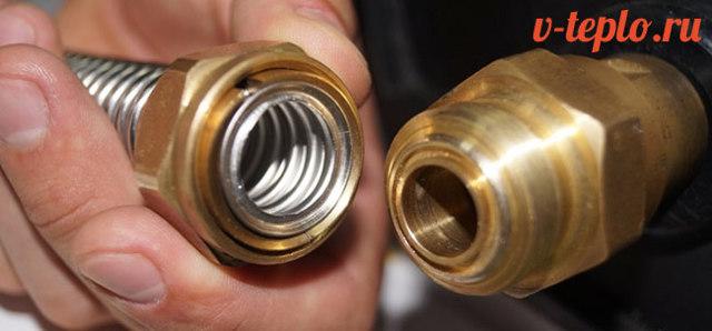 Гофрированная труба из нержавеющей стали и фитинги для нее