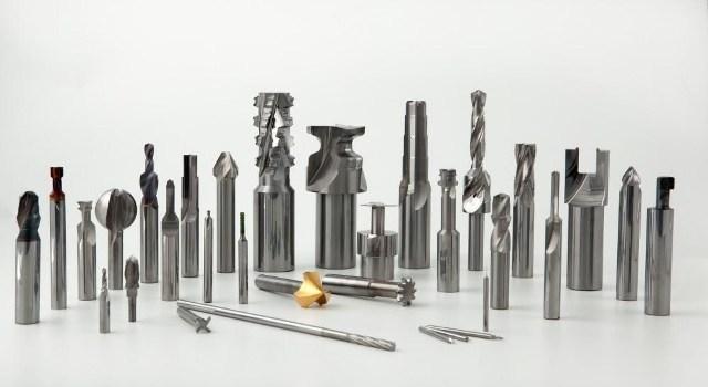 Развертка по металлу: виды (регулируемая, коническая, ручная, машинная) и особенности