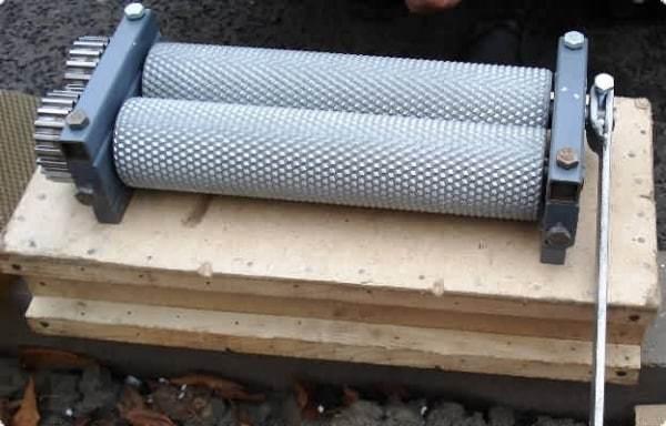 Вальцы для вощины: производство вощины своими руками