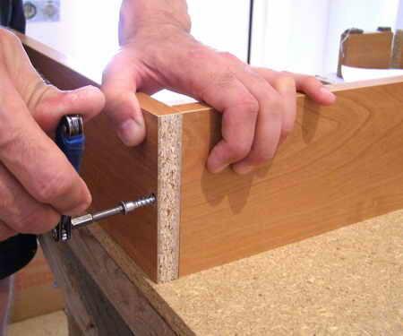 Конфирмат мебельный (евровинт, еврошуруп): размеры, применение