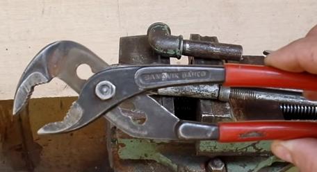 Инструмент клещи - переставные, сантехнические, сварочные, зажимные: виды и особенности