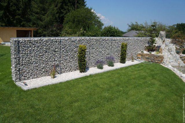 Забор из габионов своими руками: как сделать забор из сетки и камня
