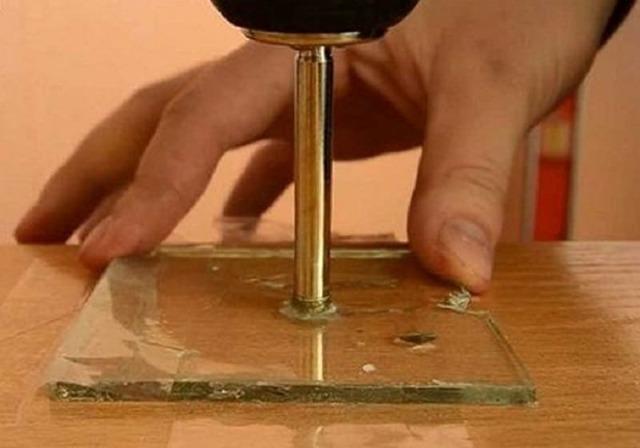 Как просверлить стекло в домашних условиях: видео, варианты, советы